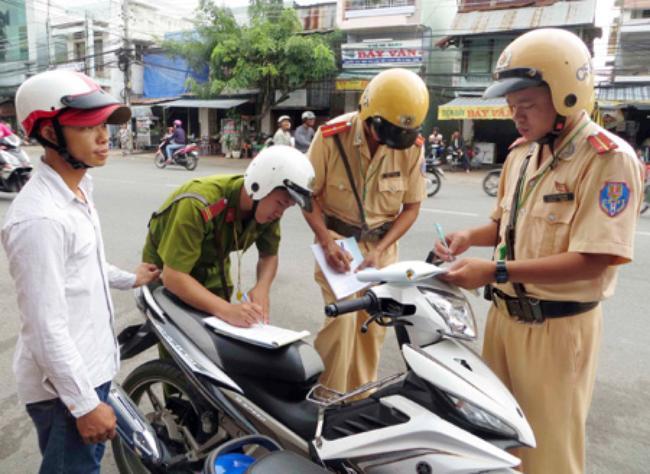 Nếu bị CSGT bắt thì chủ nhân xe NoPP xin nộp phạt trực tiếp