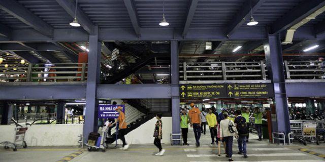 Nhà để xe máy cao tầng tại sân bay Tân Sơn Nhất kích thước ô để xe máy