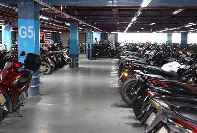 """Tầng hầm để xe máy tại một tòa nhà chung cư """"chật kín"""" kích thước đỗ xe máy"""