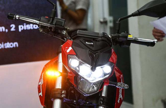 Đèn lép hình gương cầu của Benelli TNT125