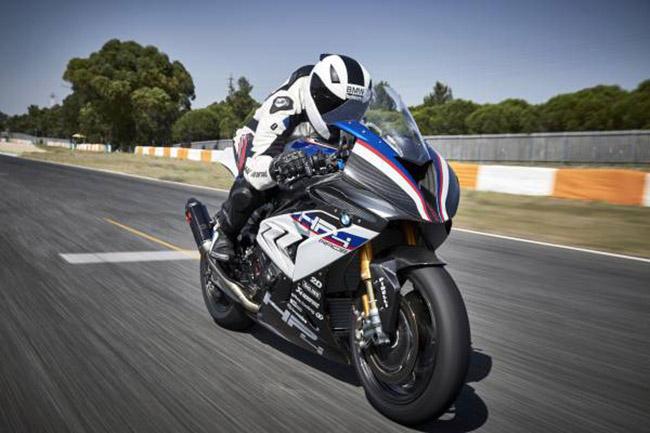BMW HP4 là 1 trong những chiếc mô tô đẹp nhất thế giới