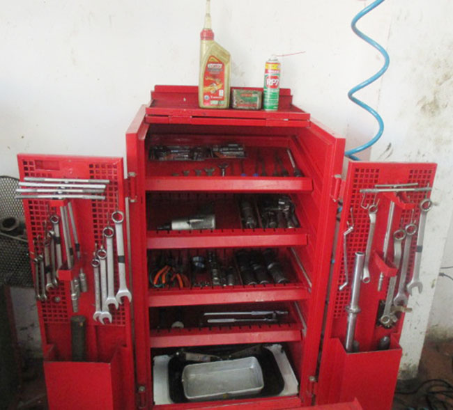 Mototech trang bị đầy đủ các bộ dụng cụ hỗ trợ sửa chữa xe máy chuyên nghiệp.