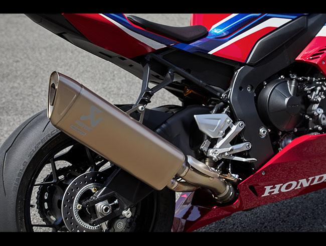 Honda CBR1000RR-R Fireblade vượt trội từ thiết kế đến động cơ